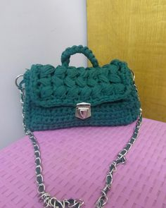 #handmade #crochet #ola_crochet #knitting #كروشيه #مصر #تريكو #made_in_egypt #alize #هاند_ميد #اشغال_يدويه Chanel Boy Bag, Shoulder Bag, Bags, Fashion, Wire, Mesh, Trapillo, Purses, Needlepoint