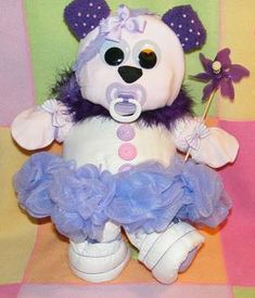 DIAPER CAKE?...NO DIAPER BEAR! <3 this!! I'm making one for sure...