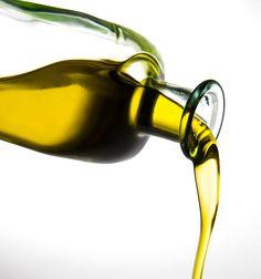 O básico do básico para que você absorva um pouco a cultura do azeite, saiba optar melhor na sua próxima compra e desvende o mito da acidez, um dos maiores erros ao escolher um azeite.