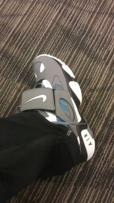 27f5f2a2a9a Log in. Nike Air ...
