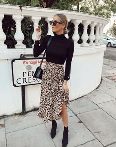Winter Fashion Outfits, Fall Winter Outfits, Look Fashion, Spring Outfits, Autumn Fashion, Winter Boots, Winter Dresses, Winter Outfits With Skirts, Winter Style