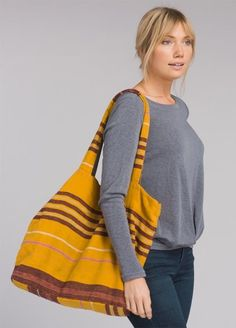 The Cinch Tote is made with a hemp/organic cotton blend with an interior removable bag. The interior bag features PU coating and tassels. Cinch Bag, Striped Bags, Outdoor Apparel, Everyday Fashion, Organic Cotton, Going Out, My Style, Womens Fashion, Hemp