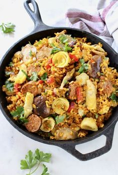 A lot of work. Best vegan Paella recipe with mushrooms, artichokes, roasted peppers, plant based sausage and brown rice cooked in a Spanish saffron and white wine broth. Easy Soup Recipes, Salad Recipes, Chicken Recipes, Dinner Recipes, Healthy Recipes, Simple Recipes, Yummy Recipes, Healthy Food, Vegetarian Recipes