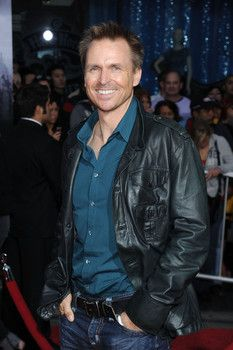 Interview: Phil Keoghan talks 25 seasons of 'The Amazing Race' Amazing Race, Classic Tv, New Woman, Unicorns, Rainbows, Famous People, Dancing, Favorite Things, Interview