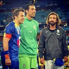 Il calcio italiano in una sola foto #delpiero #buffon #pirlo #calcio #juve