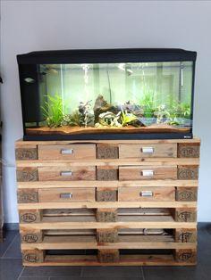 Pallet furniture: cabinet for aquarium