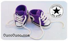 7e740339c Patucos bebé All Star a crochet (Parte II). ... Aprende a realizar estos  divertidos patucos o escarpines para bebé que simulan a las zapatillas  Converse All ...