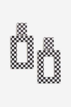 Checker Board Drop Earrings as part of an outfit Cute Jewelry, Jewelry Shop, Louis Vuitton Necklace, The Bling Ring, Belly Bars, Crystal Choker, Neckerchiefs, Topshop Outfit, Outfits