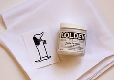 How to transfer an image to fabric with gel medium. commenter okiedokie has good info on transfering to fabric without gel medium Foto Transfer, Transfer Paper, Crafts To Make, Arts And Crafts, Diy Crafts, Creative Crafts, Acrylic Gel Medium, Fabric Crafts, Paper Crafts