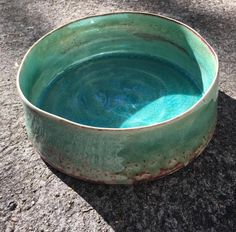We love finding local talent to display their beautiful pieces in-store has just delivered a large selection of gorgeous turquoise ceramic bowls, just like the one pictured 👌🏼 Avalon Beach, Beach Furniture, Kitchenware, Tableware, Ceramic Bowls, One Pic, Jewelry Gifts, Rust, Turquoise