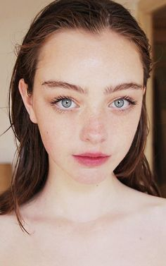 7 Steps to Perfect The Barely-there Makeup (Even a Makeup Novice Could Easily Catch On Beauty Portrait, Female Portrait, Girl Face, Woman Face, Barely There Makeup, 3 4 Face, Dry Skin On Face, Model Face, Portrait Inspiration
