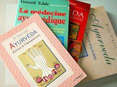 Vous souhaitez découvrir l'Ayurvéda et trouver un livre qui vous en explique l'essence ? Voici ma sélection de livres sur le sujet et ce que j'en ai pensé. Suivez-moi !