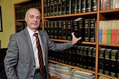 """ΔΙΚΗΓΟΡΙΚΟ ΓΡΑΦΕΙΟ ΓΙΑΓΚΟΥΔΑΚΗΣ ΚΑΒΑΛΑ,  τ. 2510834031 - Ειδικός Δικηγόρος σε Διαζύγια, Οικογενειακό Δίκαιο, Ποινικό Δίκαιο- 'Οραμά μας ένας καλύτερος κόσμος χωρίς αδικίες! """"Είμαστε εδώ για να σε βοηθήσουμε Άμεσα, Πιστά και με Συνέπεια"""". Suit Jacket, Breast, Suits, Jackets, Down Jackets, Suit, Jacket, Wedding Suits, Suit Jackets"""