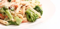Slow Cooker Chicken, Broccoli and Pasta - DELICIOUS! www.GetCrocked.com