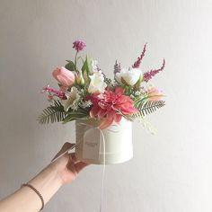 Small Flower Arrangements, Small Flowers, Diy Flowers, Wedding Flowers, Gift Bouquet, Hand Bouquet, Flower Box Gift, Flower Basket, Flower Quotes