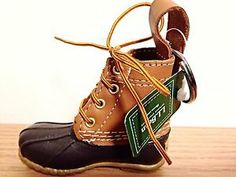 ll bean boot keychain aw Preppy Car, Preppy Style, My Style, Preppy Essentials, Ll Bean Boots, Shoe Box, Women's Accessories, Girly, Stockings