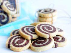 מתכון לעוגיות שבלול שוקולד וניל, קלות להכנה וטעמות בטירוף. עוגיות שחור-לבן מקסימות, עם צילומים של כל שלבי ההכנה