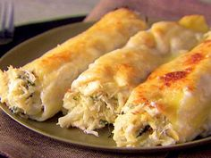 Crab and Ricotta Cannelloni Recipe : Giada De Laurentiis : Recipes : Food Network I think I will try this but add a tbs or so of old bay to the cream sauce and maybe some shrimp. Giada De Laurentiis, Seafood Dishes, Pasta Dishes, Crab Dishes, Cannelloni Recipes, Spinach Cannelloni, Seafood Lasagna, Italian Recipes, Pasta Recipes