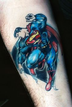 It's safe to say that probably one of the most popular tattoos out there is of the superhero Superman. In all honesty who doesn't even know Superman nowadays? Arm Tattoo, Tatto Ink, Ankle Tattoos, Up Tattoos, Tattoos For Guys, Tattoos For Women, Tatoos, Flying Tattoo, Superman Comic