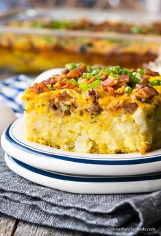 TATER TOT BREAKFAST CASSEROLE yummy Our easy Tater Tot Breakfast Casserole takes minutes to gather and the end result is a dish it truly is best for family breakfast, fancy brunch, or a church potluck! Tater Tot Breakfast Casserole, Bacon Breakfast, Breakfast Items, Breakfast Dishes, Breakfast Recipes, Easy Casserole Recipes, Brunch Recipes, Brunch Ideas, Dessert Recipes