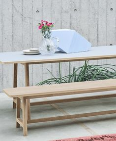 FRAME TABLE   HAY