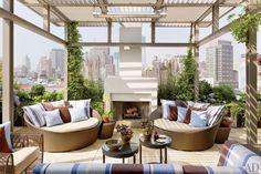 Rooftop Terrace : Edward Siegel and Ernest De La Torre Renovate a New York Penthouse : Architectural Digest Roof Terrace Design, Rooftop Design, Rooftop Terrace, Deck Design, Pergola With Roof, Patio Roof, Pergola Patio, Steel Pergola, Duplex New York