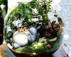 A set Totoro Figurines , Girl Lay on Big Totoro , Miniature Ghibli Studio Mini Fairy Garden Supplies Succulent Terraium DIY Accessories - Garden diy crafts wedding Terrarium succulentes Terrarium Diy, Miniature Terrarium, Terrarium Containers, Terrarium Centerpiece, Terrarium Wedding, Wedding Plants, Totoro, Fairy Garden Accessories, Diy Accessories