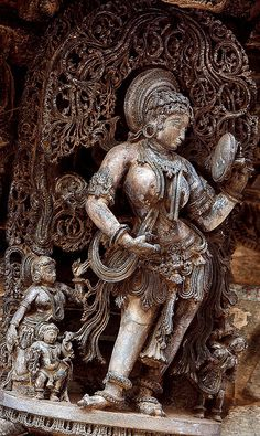 Darpanasundari by Fulcrum35, via Flickr Indian Temple Architecture, Ancient Greek Architecture, Ancient Buildings, Ancient Indian Art, Ancient Art, Asian Sculptures, Indian Art Paintings, Oil Paintings, Hindu Statues