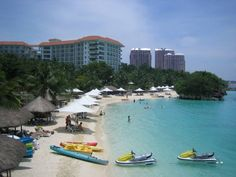 3. Mactan Island – the queen city of the South, Cebu, also has its fair share of great beaches. One of them is the so called Mactan Island. It is a tropical island resort. It provides tourist with great entertainment such as night life activities that will spice up the visit.