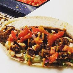 Pita Pit, Calorie Calculator, Healthy Food, Healthy Recipes, Greek Chicken, Catering, Pork, Street, Ethnic Recipes