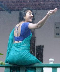 Most Beautiful Bollywood Actress, Indian Bollywood Actress, Bollywood Girls, South Indian Actress Photo, Indian Actress Hot Pics, Beautiful Girl Photo, Beautiful Girl Indian, Beautiful Women, Indian Photoshoot