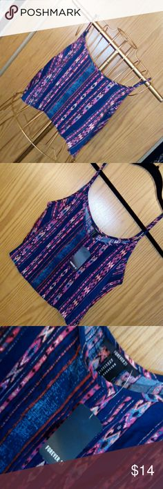 Forever 21 crop top Forever21 Aztec print crop top brand new still with tags. Great for the hot summer months and great to pair with high-waisted shorts or jeans. Forever 21 Tops Crop Tops