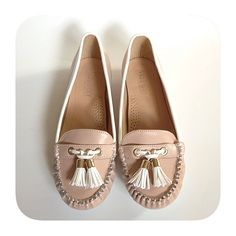 beige moccasins ✨ Beige / nude moccasins. White trim and decorative tassels. Never worn.  ▪️ No Trades ▪️ No PayPal ▪️ Bundle for 15% Discount ▪️ NOT smoke/pet free via pinky Shoes Moccasins
