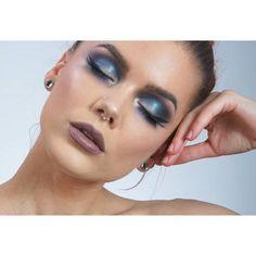 Έντονα μάτια στο #μακιγιάζ σας! Αποκτήστε το με τις υπηρεσίες του @homebeaute ! Για ραντεβού στο σπίτι σας στο τηλέφωνο  21 5505 0707! #γυναικα #myhomebeaute  #ομορφιά #καλλυντικά #καλλυντικα #μακιγιαζ #φθινοπωρο #βλεφαριδες #μπλέ #smokey