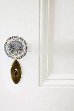 hunted interior: Looking at the Details Cabinet Door Hardware, Home Hardware, Door Knobs, Door Handles, French Country Cottage, Cottage Style, Fleur Delacour, Farmhouse Chic, Fresh Farmhouse