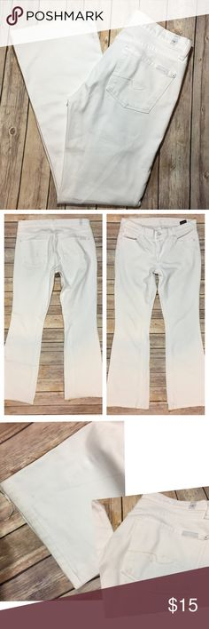 """7 For All Mankind Charlize Flare Arctic White Tag Size - 28 Waist Measured Across - 15"""" Inseam - 29"""" Rise - 8.5"""" There are some stains on the rear and around the cuffs. 7 For All Mankind Jeans Flare & Wide Leg"""