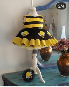 Hallowen Dresses Kids Girl, Girls Party Dress, Kids Outfits, Kids Bridesmaid Dress, Bee Party, Baby Dress Patterns, Cute Baby Girl, Girl Costumes, Baby Sewing