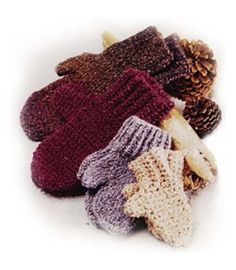 Warm Hands For Winter: 10 Free Crochet Mittens Patterns - moogly