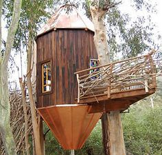 Best DIY Tree House Plans to Make Your Childhood or Adulthood Dream a Reality Cool Tree Houses, Fairy Houses, Play Houses, Cool Diy, Simple Tree House, Tree House Plans, Woodland House, Outdoor Buildings, Tree House Designs