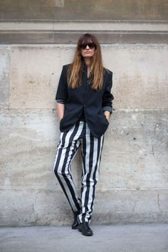 How to Effectively Dress Like a Parisian