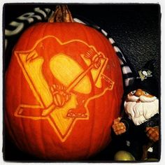 Thanks  to Twitter follower @mikekrisza for this #Pens #HockeyHalloween pumpkin! P.S. Nice gnome.