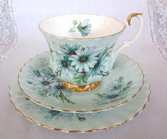 ROYAL ALBERT DAISY  Aqua Trio Plate Cups by BeverleysGlassandRoy