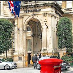 #London #langham #langhamhotel #langhamplace #ldn #londres #london4all #london4you #london_only #londoncalling #londonstyle #londonstreetphotography #londonstreet #ilovelondon #thisislondon #instalondon #iglondon #ig_london #postbox #luxuryhotel #lux #luxury #streetphotography #insta #instagram #architecturephotography by london_mayfair