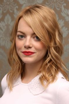 Emma Stone poster, mousepad, t-shirt, Gwen Stacy, Blonde Actresses, Black Actresses, Young Actresses, Female Actresses, Red Hair With Bangs, Emma Stone Hair, Strawberry Blonde Hair, Medium Long Hair