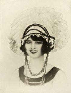 (via Schwarz-RitaRoyce-ZFollies1926 | Historical Ziegfeld Group)   Rita Royce Ziegfeld Follies 1925-1926
