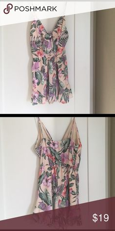 Adorable Tropical Hawaiian Print Romper Perfect for your next vacation! 🏖👙 size medium tropical Hawaiian print romper.  Only worn once perfect condition modern vintage boutique Other