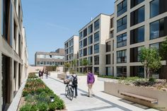 Glenn Howells Architects has completed Parkside Place, a mixed-use development, comprising of a community fire station, commercial unit and 99 residential apartments in central Cambridge. http://en.51arch.com/2013/09/glenn-howells-architects-cambridge-fire-station/