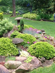 Edge of rock garden Flower Diy, Diy Flowers, Front Yard Landscaping, Landscaping Ideas, Trees For Front Yard, Gravel Garden, Woodland Garden, Dream Garden, Stepping Stones
