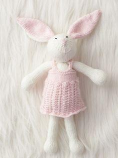 Zoe Bunny | Yarn | Free Knitting Patterns | Crochet Patterns | Yarnspirations