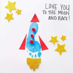 "This footprint rocket craft is perfect to make for Father's Day! Kids will love making their own rocket to add to the saying ""I Love You to the Moon and Back"" or ""You're Out Of This World Dad"". Free Fathers Day Cards, Kids Fathers Day Crafts, Fathers Day Art, Happy Fathers Day, Fathers Day Gifts, Gifts For Kids, Grandparent Gifts, Diy Father's Day Gifts Easy, Father's Day Diy"